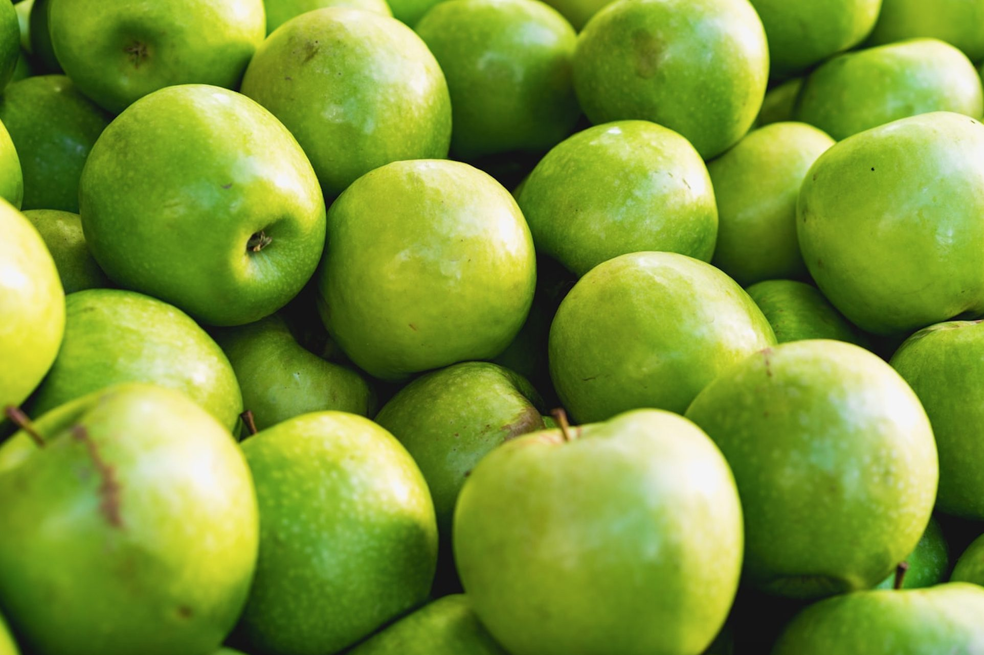 The perfect recipe for your summer farewell party: The Boozy Granny Smith